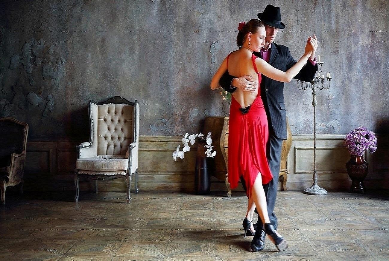 bailarines-de-tango-argentina-bailando